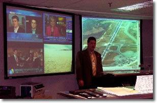 Tanguy AUSPERT au centre de crise du Ministère des Transports du Canada, endroit d'où les aéroports canadiens ont été gérés lors des attentats du 11 septembre 2001.