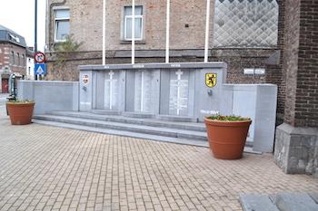 Saint-Servais : un monument aux morts victime d'incivilités