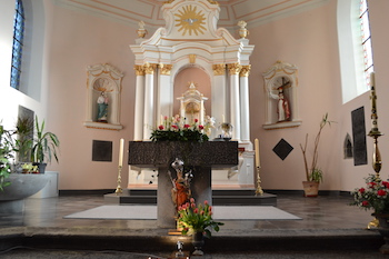 Eglise classée de Gelbressée : rafraîchissement des peintures