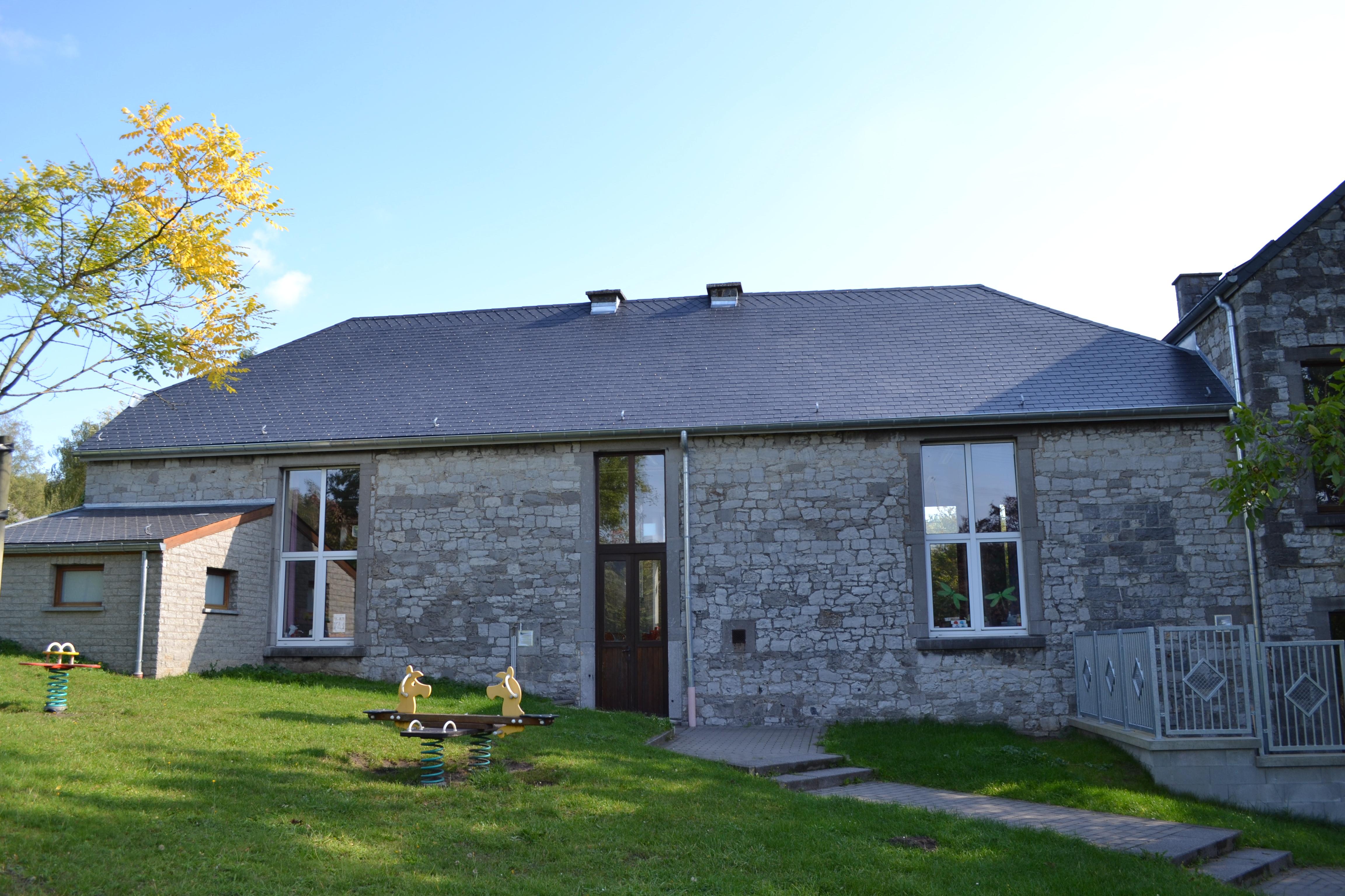 Ecole maternelle de Beez : toiture et chassis rénovés